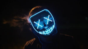 horror-kvest-s-akterami enigma room